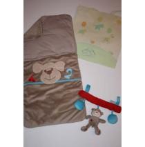 Giftset Babynestje + Toy voor autostoel + Geschenktas